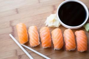 plateau-sushi-saumon