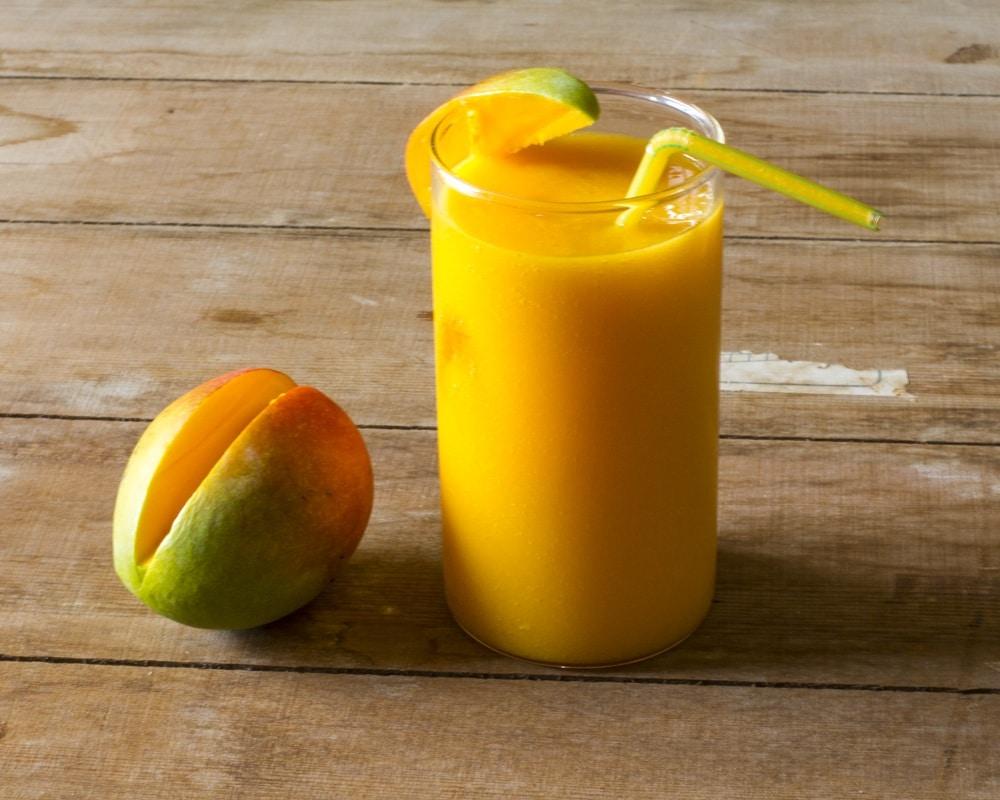 recette-smoothie_mangue-enrichie-en-proteines