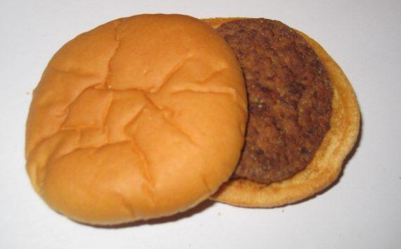 Le plus vieux hamburger du monde: Il retrouve son hamburger 14 ans après