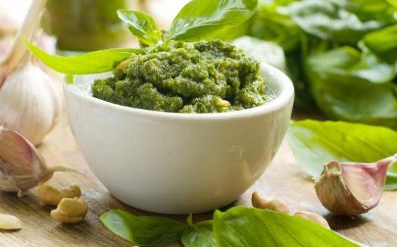 Sauce Pesto : 8 ingrédients qui peuvent remplacer le Basilic