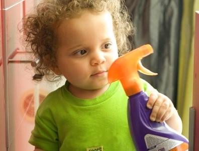 Les produits ménagers: un danger pour les enfants