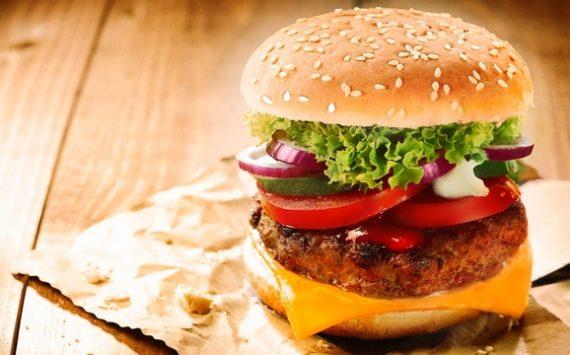 De la matière fécale décelée dans les hamburgers