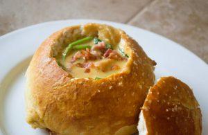 idées de recettes de soupes en bol de pain