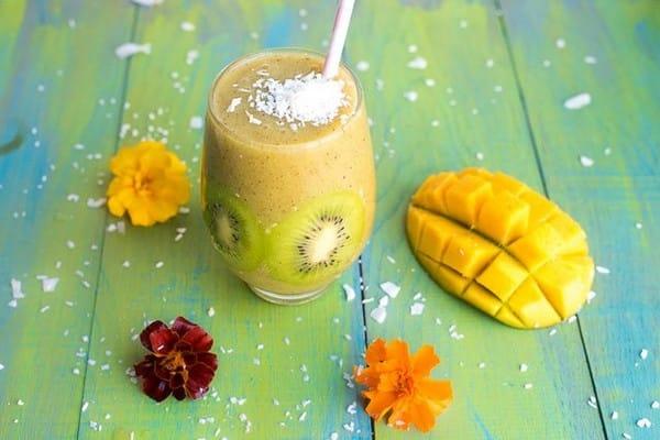 smoothies kiwi mangue banane coco