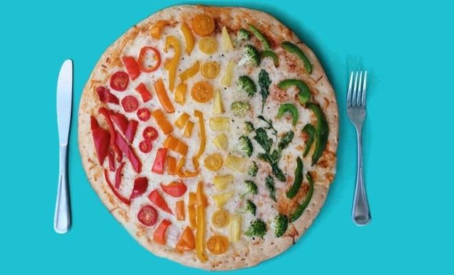 Emily Blincoe pizza arc en ciel