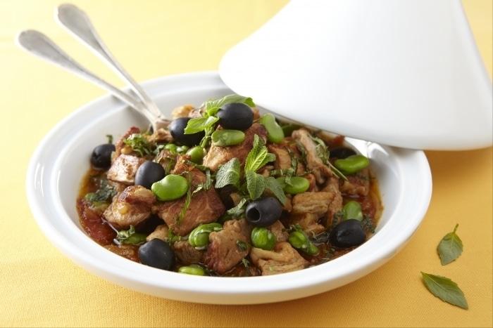 Tajine de veau menthe-basilic, fèves et olives