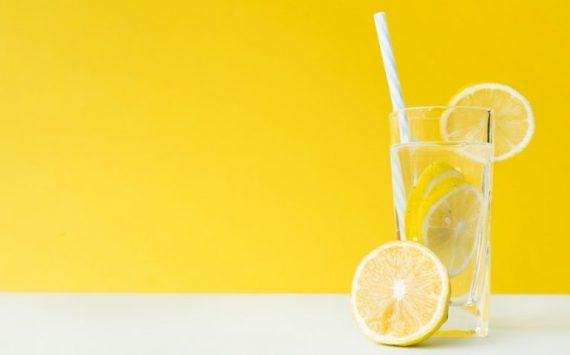 Comment bien préparer son eau citronnée maison ?