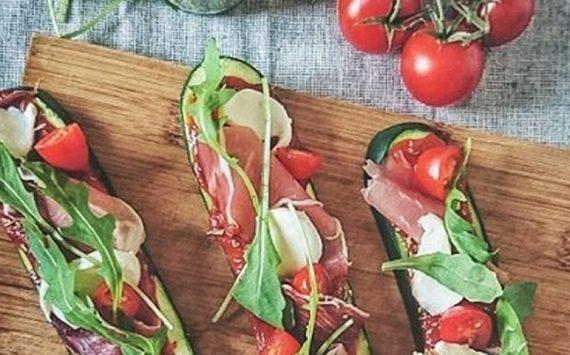 Les mini-pizzas de courgettes, sans pâte à pizza (recette facile ⭐)
