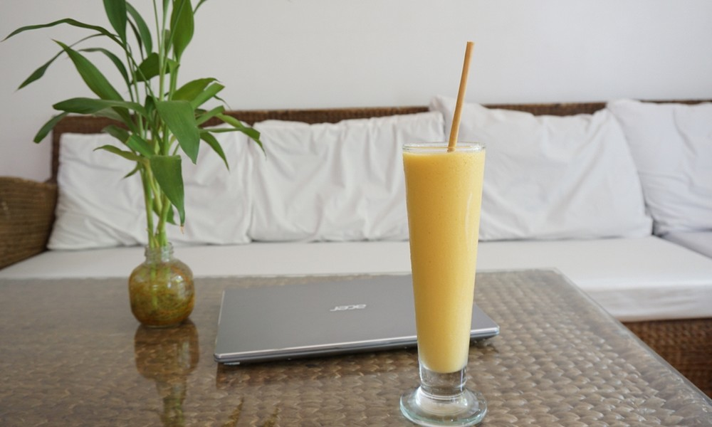 Smoothie à la mangue (recette facile ⭐)