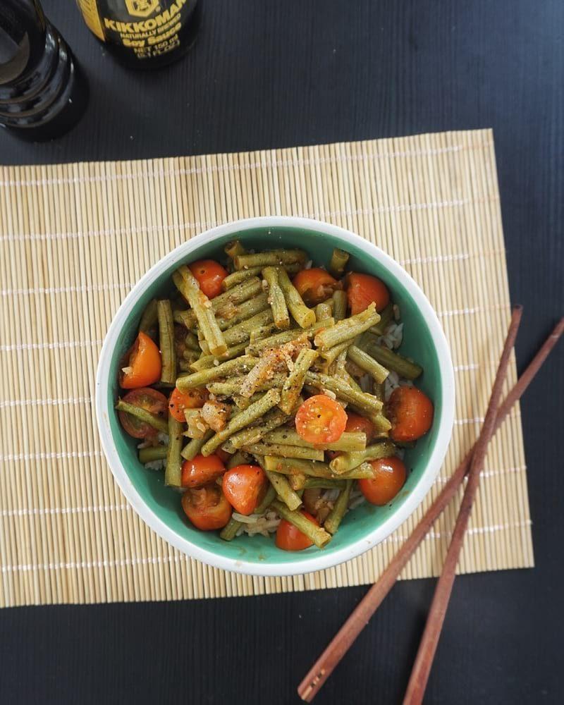 haricots verts tomates sauce piquante recette