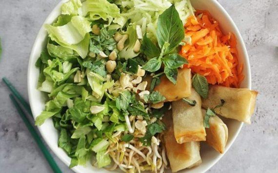 Salade gourmande façon bobun (recette facile ⭐)