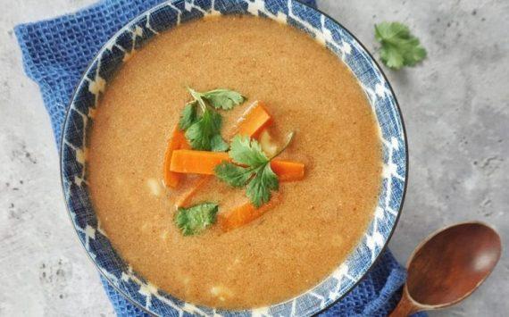 Soupe polonaise à la tomate (recette facile ⭐)
