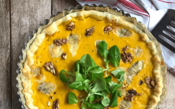 Quiche au potimarron, au gorgonzola et aux noix (recette facile⭐)